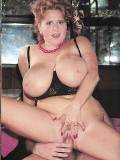 Retro magazine No.957  busty lust  18