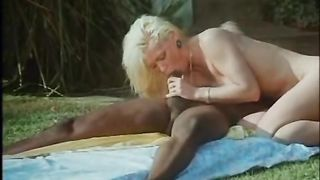 A Culo Nudo (1994) classic xxx