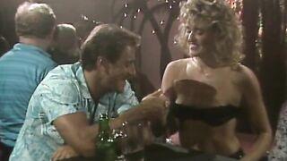 Hot Gun (1986) feature, classic, straight