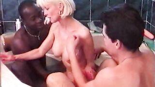 Eva Delage Bites Dures pour Femmes Mures 12