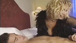 Donna D'Onore (1994) Italian Classic Porn Movie